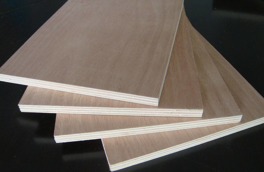 Eco Friendly Okoume Marine Grade Plywood , MR Glue 18mm Commercial Plywood